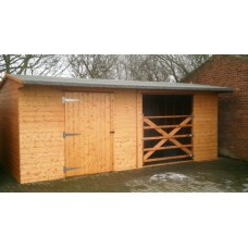 Horse Stable / Field Shelter with Combined Wooden Gate